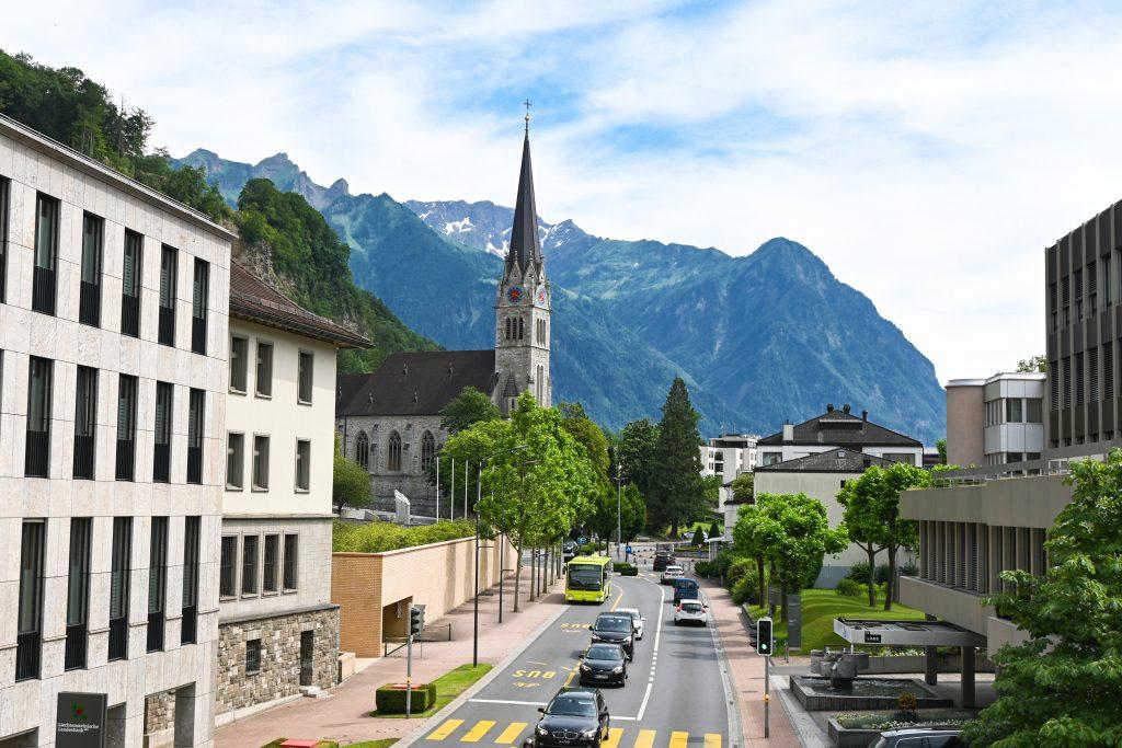 set up international business in Liechtenstein and open bank account